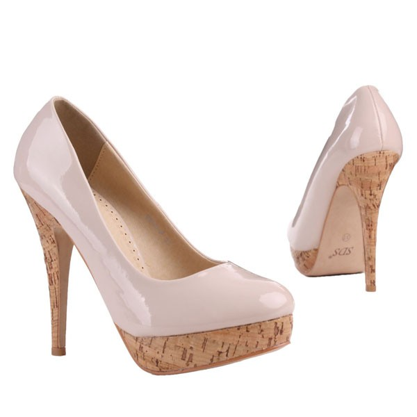 Beige Lack Pumps